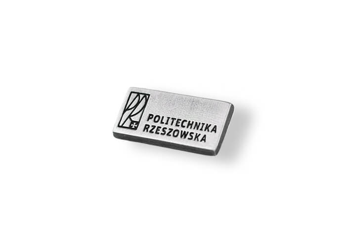 Silberfarbener Anstecker hergestellt auf Bestellung von MCC Metal Casts